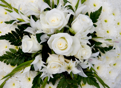 Choosing funeral flowers: ideas & inspiration for floral tributes